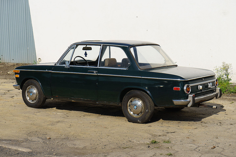 BMW 2002 Automatic1
