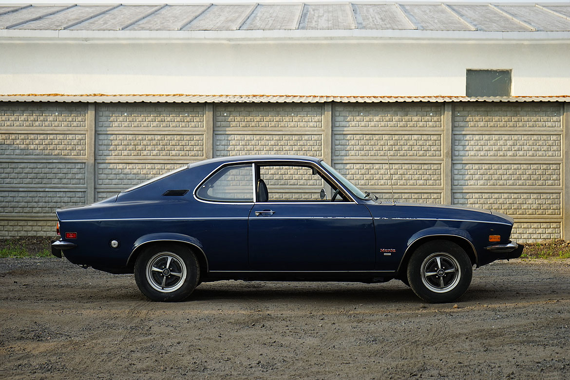 opel manta a luxus 1973 artmet classic car renovation. Black Bedroom Furniture Sets. Home Design Ideas