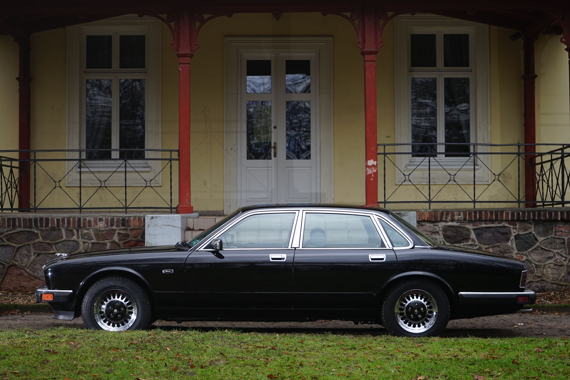 Jaguar XJ6 XJ40 Sovereign