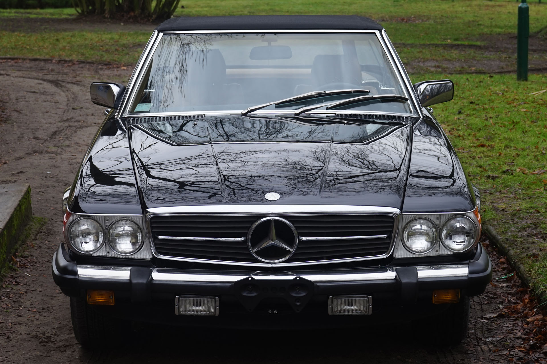 Mercedes-Benz 380 SL R107