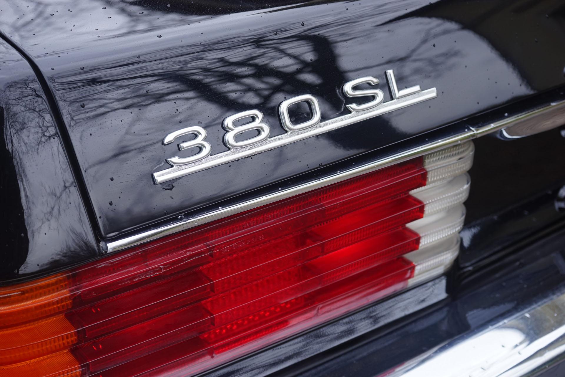 Mercedes-Benz 380 SL R107
