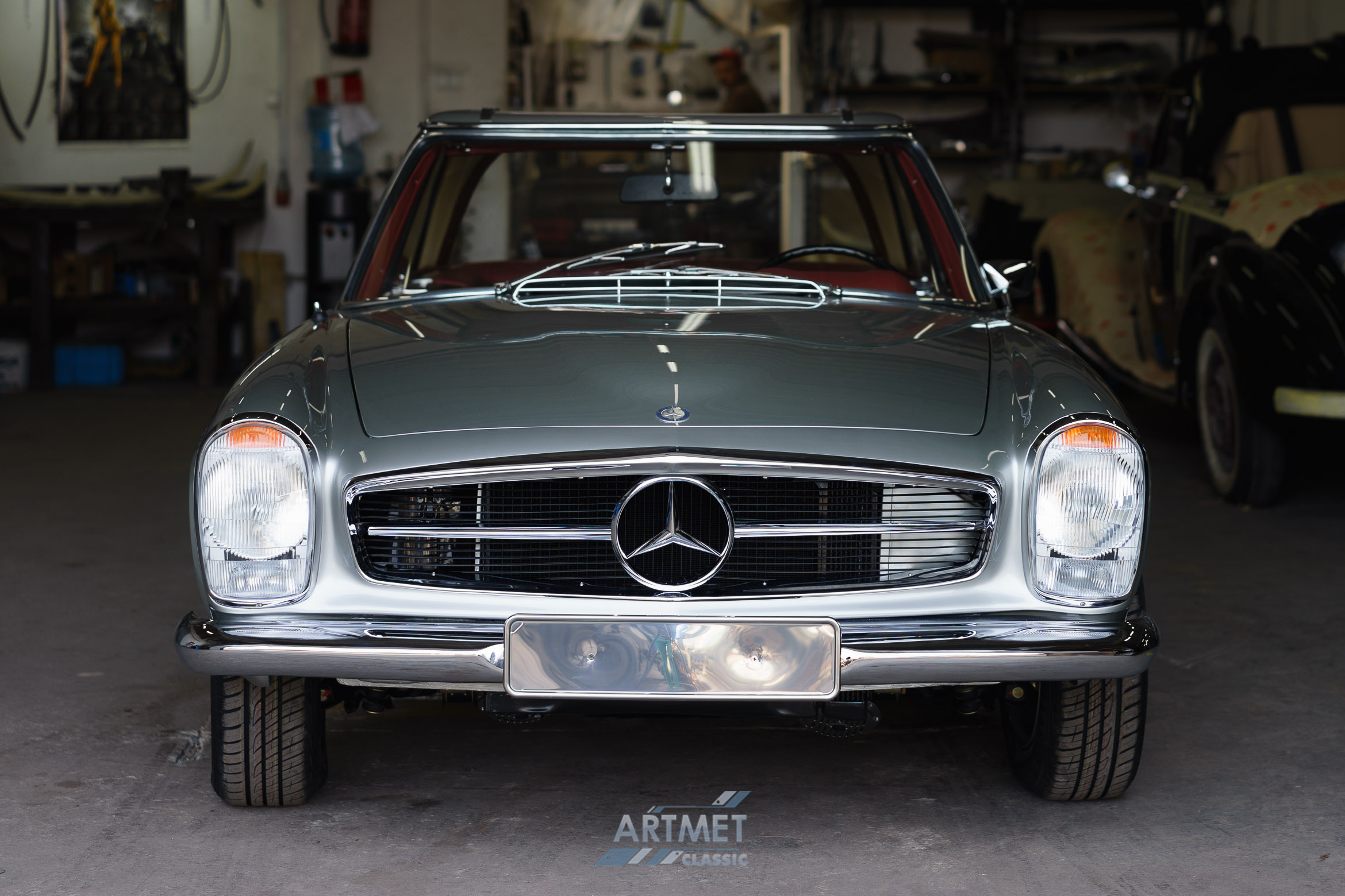 Mercedes-Benz 280 SL W113