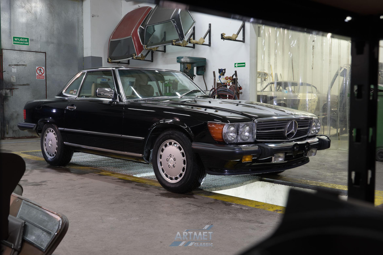 Mercedes-Benz 560 SL R107