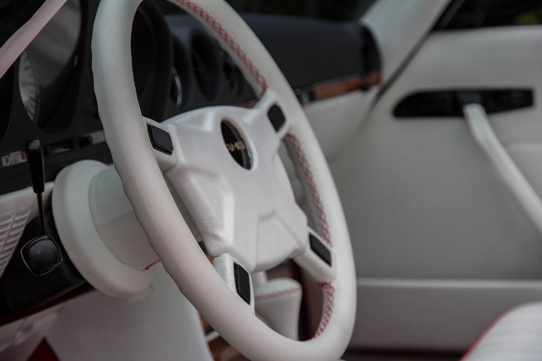 Mercedes-Benz 500 SL AMG R107